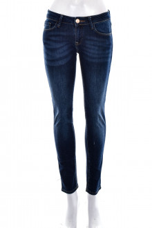 Cross Jeans front